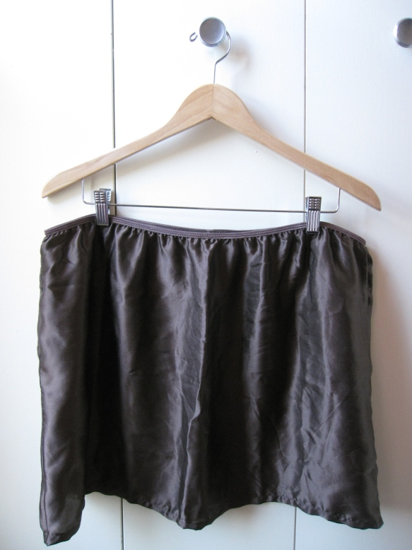 Silk slip... it unsurprisingly looks like a larger silk rectangle